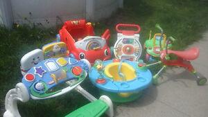 Plusieurs jouet pour bébé