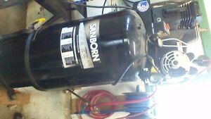 60 gallon air compressor with hose and real