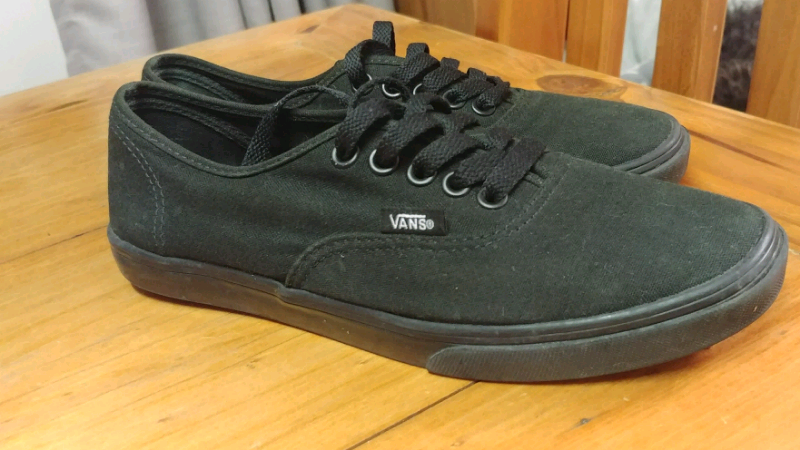 VANS authentic Lo Pro Black  47 Black - 7 US  93c73a47b781