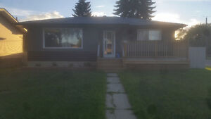 Newly Renovated House - UTILITIES INCLUDED