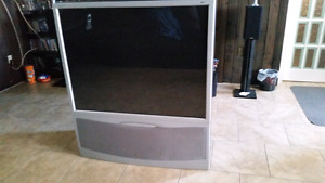 RCA 50' TV with DVD player  w/ svideo cable