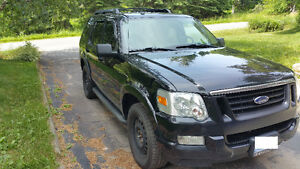 2009 Ford Explorer XLT SUV - 4X4!! GREAT WINTER VEHICLE!
