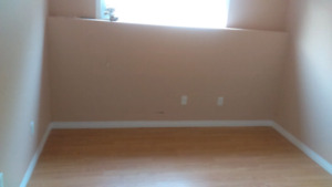 ***ROOM FOR RENT***$500 SEP 1st