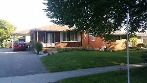 *** BUNGALOW - STANLEY PARK *** DOWNSIZING? SEE IT FEB 18   2-4