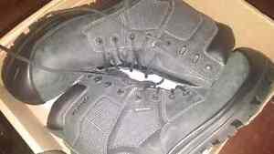 BNIB size 12 safety boots