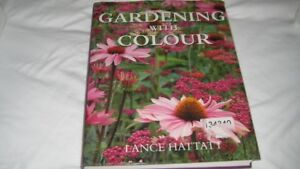 Tabel Book:  Gardening with Color by Lance Hattatt
