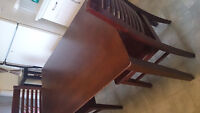 solid wood expresso table 2 chairs excellent conditions $175