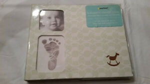 PEARHEAD BABY PRINTS MEMORY BOOK- FOOT & HAND PRINT KIT- NEW