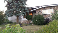 Southgate 3 bedrooms  Bungalow house new reno main floor