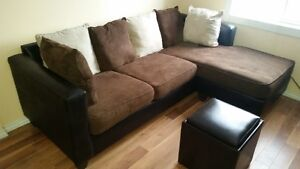 Sectional couch for sale. Hreat conditon