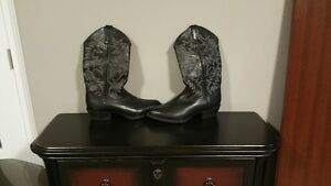 Men's new cowboy boots with cushy insoles