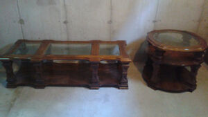 Coffee table with matching end table London Ontario image 1