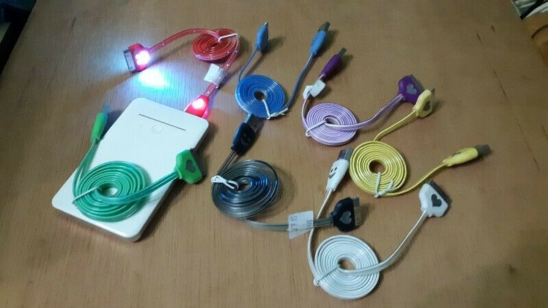 NEW SMALLER IPHONE USB CHARGER CABLE WITH DISCO LIGHT ON CABLE.