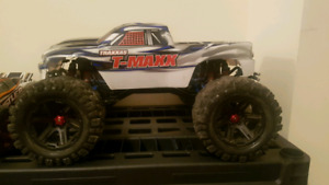 Traxxas tmaxx/emaxx rolling chassis