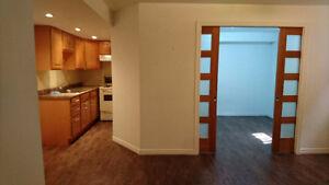 Semi-basement 31/2 apartment,Cote des neiges Available now