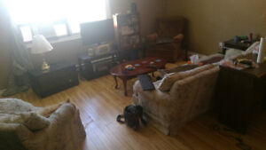 Room for rent! Month-to-month, within walking distance to DT,