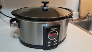 Large Slow Cooker. Just As New