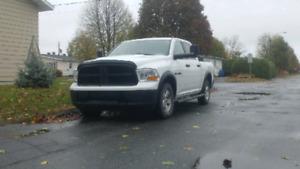 """Dodge ram slt 2010 crew cab boite 5'-7"""" 149k km"""