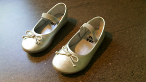 Silver shoes size 6.5 toddler