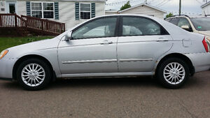 2005 Kia Spectra EX Sedan, Very LOW Mileage!!!!
