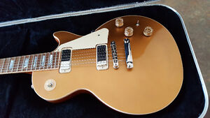 2015 Gibson Les Paul Deluxe Goldtop ... new old stock..unplayed