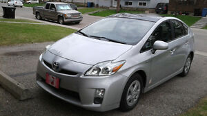 2010 Prius III sedan