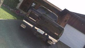 2005 GMC Sierra 1500 Z71 Pickup Truck