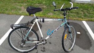 Vélo hybride a vendre a Contrecoeur