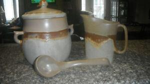 Poterie laurentienne (Gros pot à lait)