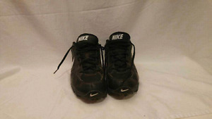 Nike Soccer Cleats Size 9