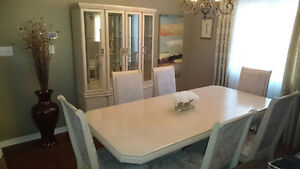 Dinning table, Chairs & Display Hutch