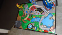 KidKraft Super Expressway Train Set and Table