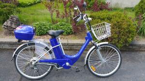 Des Beaux Vélo Électrique 6 Vit NEUF et des Scooter Électrique