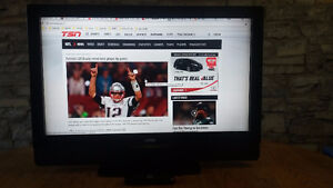 Great for Family Room Vizio 37L 720p LCD HDTV $100.00!!!!