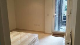 1 bed modern flat in city center with balcony