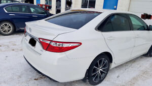 2016 Toyota Camry XSE WITH THE PREMIUM PACKAGE, LOW MILEAGES