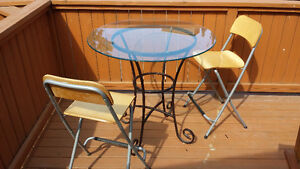 Glass breakfast table with 2x chairs