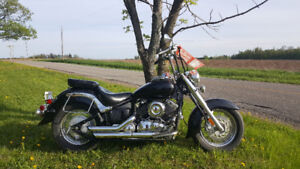 2005 Yamaha V Star Classic 650...awesome condition