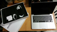 MacBook Pro (Retina, 13-inch, Mid 2014) - Like NEW in The BOX