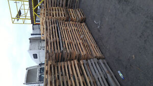 New load of pallets and great reusable lumber West Island Greater Montréal image 2