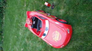 LIGHTNING MCQUEEN CHILDS RIDE ON CAR