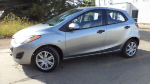 13 MAZDA 2 - 4DR - 5SPD MANUAL - A/C - NEW TIRES - ONLY 122KMS