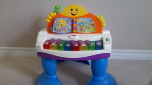 Fisher Price Light Up Toy Piano