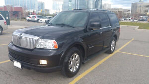 2006 Lincoln Navigator Sports SUV, Crossover