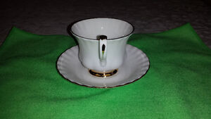 """Royal Albert """"Val D'or"""" Cup & Saucer Cambridge Kitchener Area image 6"""