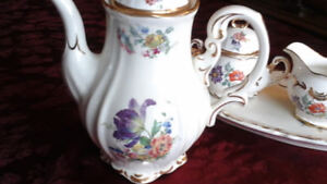 FINE PORCELAIN CHINA  -  Fine Art Keramlk - WANTED