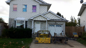 4 or 5 Bedroom Home near Clarke and Huron London Ontario image 1