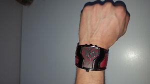 Montre rouge et noir
