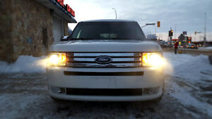 2010 Ford Flex 6 Passenger/Leather Seats/ Keyless Entry/Safetied