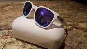 Oakley Garage Rock gender neutral sunglasses with carry case